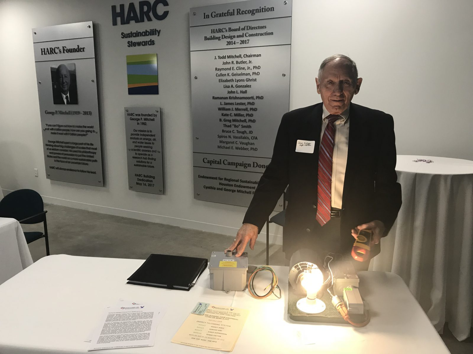 Ivan Rudiger, President of Eagle Energy Saving Technology, demonstrates his energy efficiency retrofit solution in the Industry Showcase.